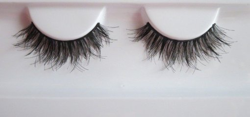 Huda-Beauty-Samantha-Eyelashes-3